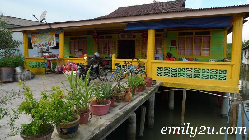 Kukup pontian 82300 johor malaysia from emily to you for Modern house 8 part 6