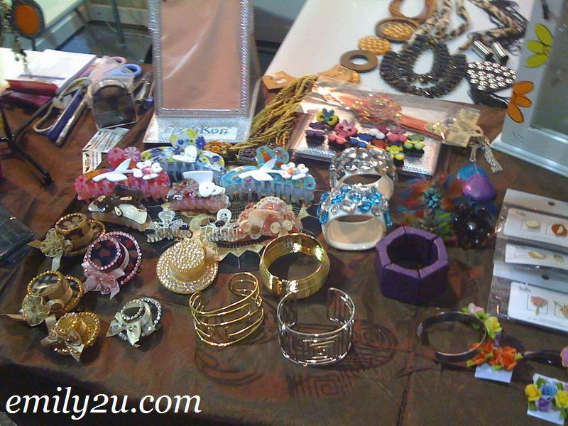 costume jewelry display