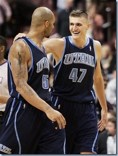 Nov 11 2008 [Tom Mihalek AP Photo] AK and Booz win on the road