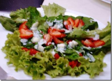 Mix de folhas com molho de iogurte