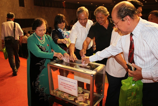 Quyên góp hôm Hội Trường 16/10/2010