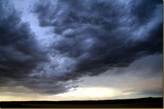 Clouds in the Western Australian outback before a thunderstorm
