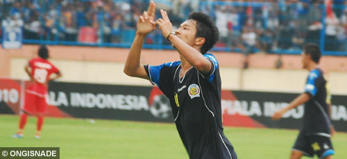 dendi santoso arema indonesia photo