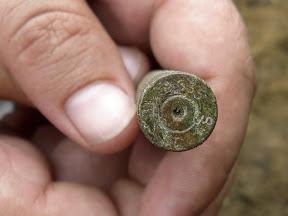 """Найденная в земляном отвале гильза, видна маркировка: """"535    S*    T"""" (предположительно от немецкой винтовки времён ВОВ)"""