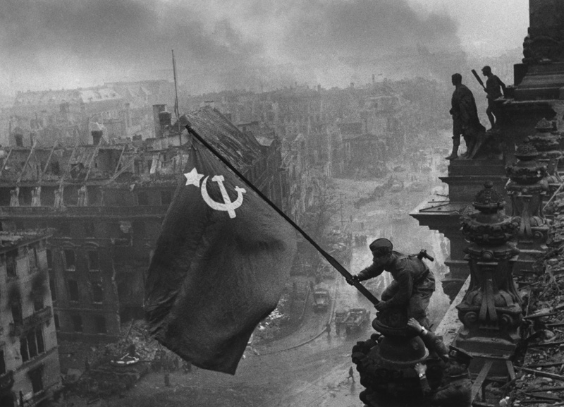 Russia takes Berlin and a new flag for Hitler's Reichstag.jpg