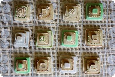stackedweddingcookies02