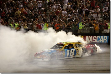 Richmond1 May NSCS Kyle Busch burnout