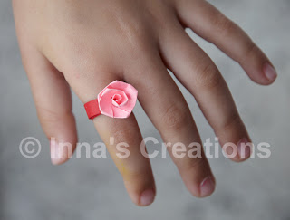 Quilled ring with rose