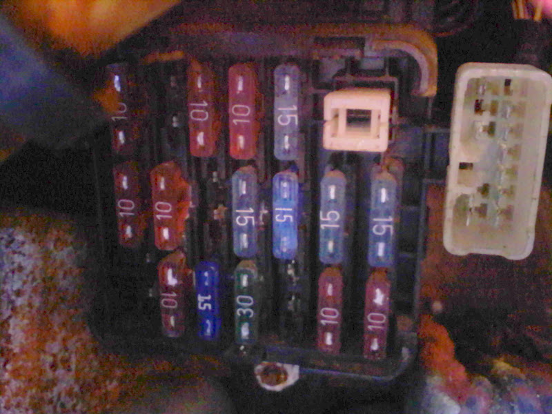 0410001628 nightmare won't start issue possibly alarm related? 3000gt 3000gt vr4 fuse box diagram at readyjetset.co