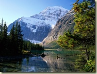 Mount_Edith_Cavell,_Jasper_National_Park,_Alberta,_Canada