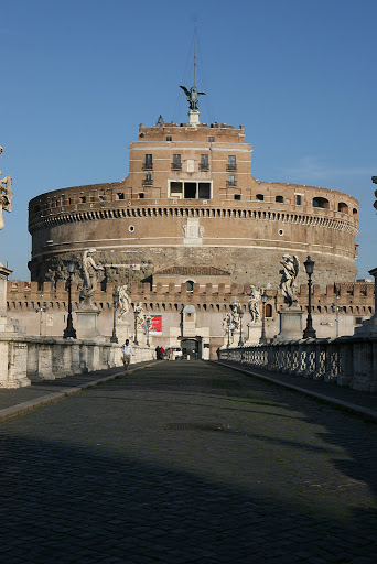 Ponte Angelo links Rome to the Vatican,over the River Tiber