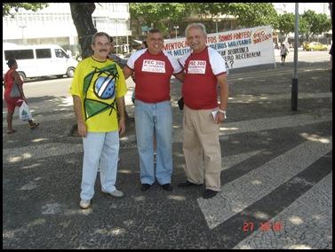 Segunda caminhada pela PEC300-2008 em 27-09-2009 em Copacabana 017