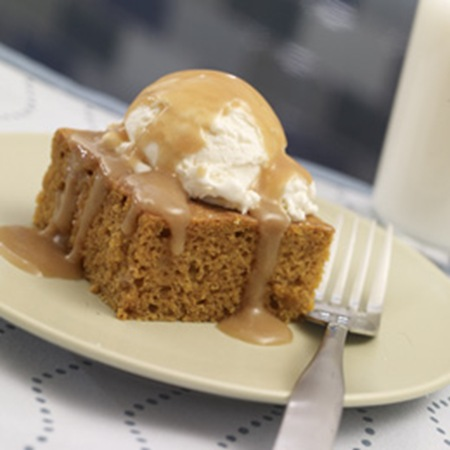 pumpkin-squares-with-cider-caramel-sauce-autumn-recipe-photo-260-FF1009COOKA02