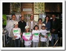 Campo Avventura Oasi Pannarano - Foto con gli operatori dell'Oasi e gli Assessori