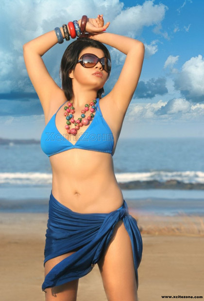 BIKINI Shraddha Sharma Shraddha Sharma SEXY BELLY, Shraddha Sharma bikini photos, shraddha SHARMA BRA VISIBLE, Shraddha Sharma Cleavage Show, Shraddha Sharma SEXY legs