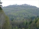 Wanderung zum Rother Stausee, Vegetation - Ende April, Blick zum Kleinen Gleichberg