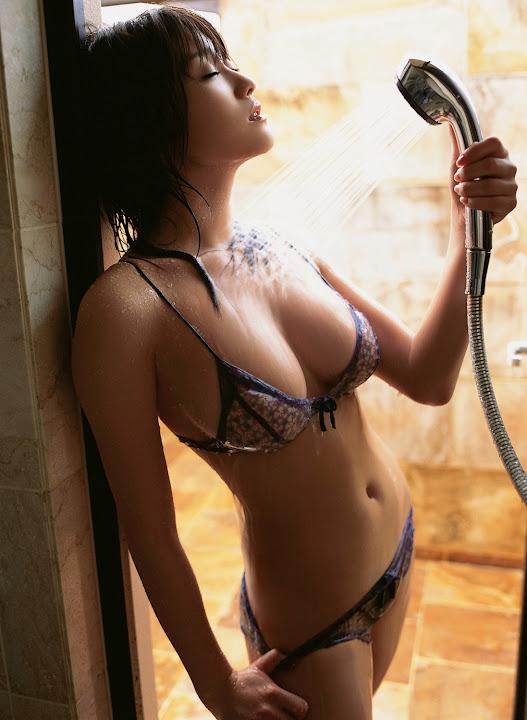 Mikie Hara 1197281110.jpg