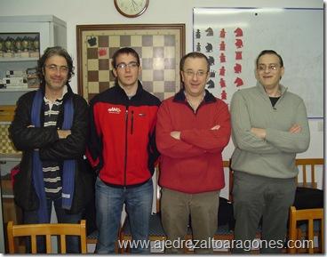 Formación del equipo del Club Atletismo Huesca-CAI en la final de la Copa Delegación Oscense 2011.