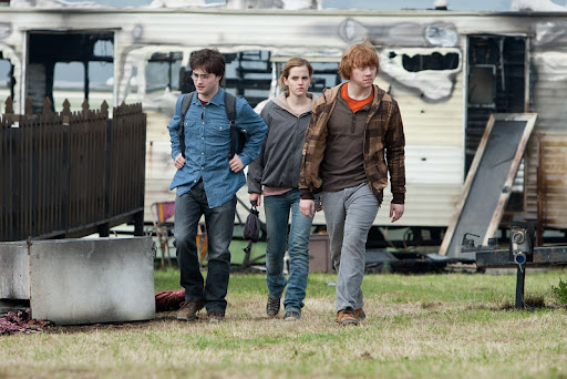 Rupert Grint, Daniel Radcliffe and Emma Watson in Harry Potter and the Deathly Hallows