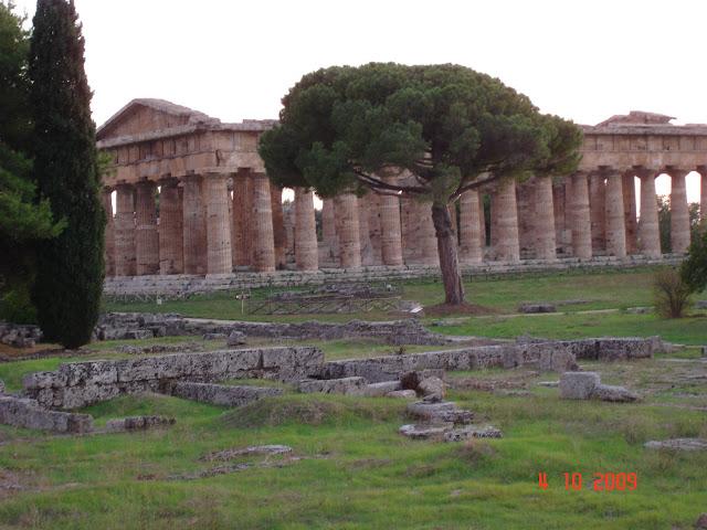 Вот наиболее хорошо сохранившийся греческий храм
