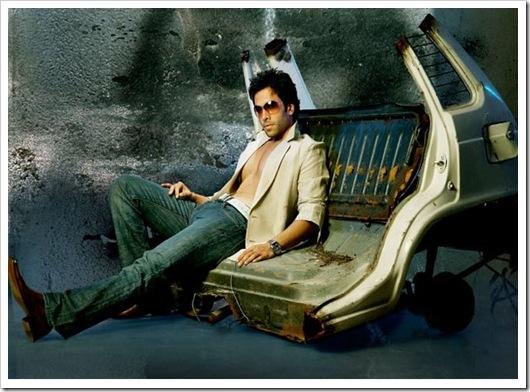 Tusshar Kapoor hot