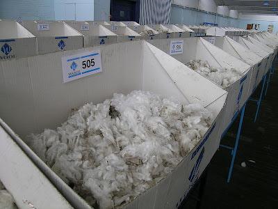 800px-Wool_samples.JPG