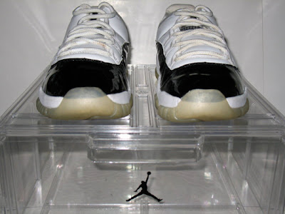 air-jordan-xi-concord-low-mj-4.jpg