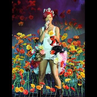 Rihanna at EMA 2010