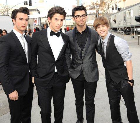 Jonas Brothers: Candids&Noticias [CLOSED] - Página 5 Justin%20Bieber%2052nd%20annual%20Grammy%20Awards-4