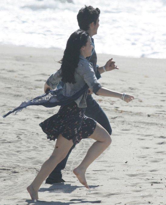 """Joe  y Demi  filman """"Make A Wave"""" Demi-joe-waves-BDLT-9"""
