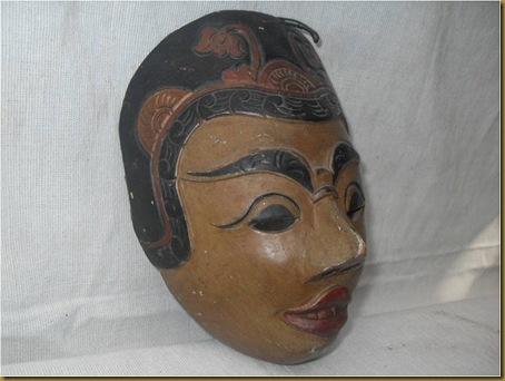 Topeng kayu kuno 2 - samping