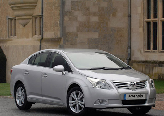 Toyota Avensis Car Wallpaer
