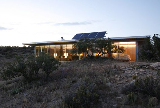 Contemporary Glass House Decorating Sustainable Design