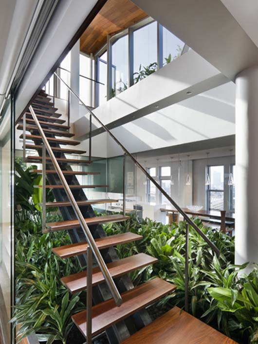 modern interior decorating wooden stairs design