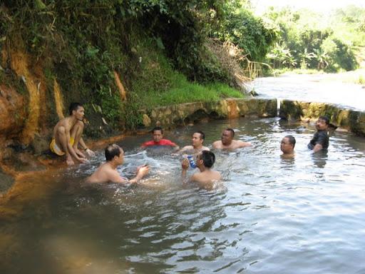 Berendam air panas di Ranu Segaran