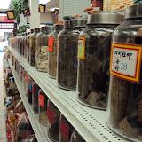 Περίεργα τρόφιμα σε παντοπωλείο στη Chinatown
