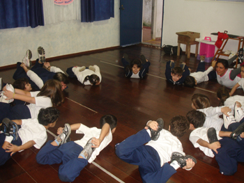 Aula de Yoga 2009 – Unidade 2 Educação Infantil