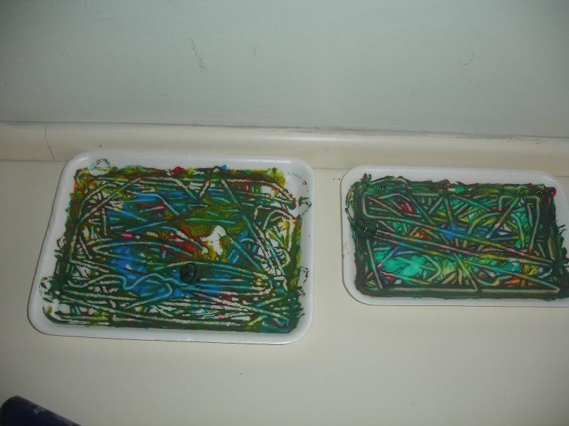 Pintura livre com bolinha de gude – Criatividade e Equilibrio – Jardim – Unidade 2 Educação Infantil