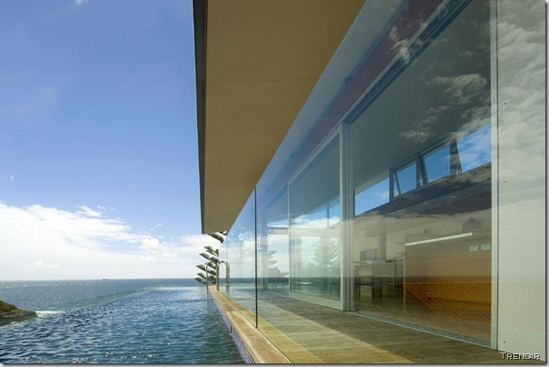 Views of Jorge Hrdina's house at Terrigal.