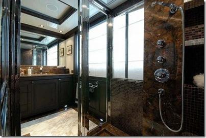Os  interiores de luxuosos iates 24