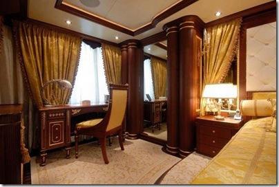 Os  interiores de luxuosos iates 15