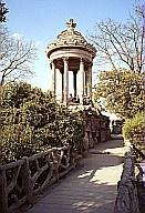 parc des buttes chaumont1.jpg