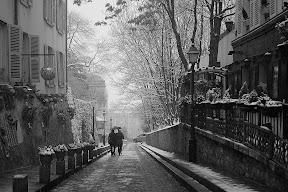 Couple on Street in Montmartre.JPG