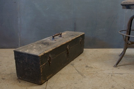 modern 50 1507_french-boatmans-longbox-primitive3