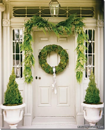 martha stewart cushion moss wreath