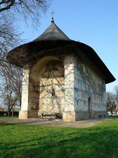 http://lh4.ggpht.com/_9F9_RUESS2E/SnR3B3lkzTI/AAAAAAAAASA/oDRwYCORXPM/s800/50-Extraordinary-Churches-arbore.jpg