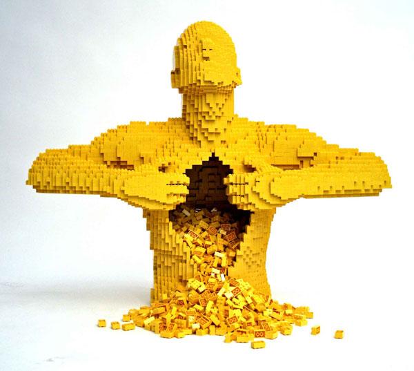 Accordo: Chi ha detto che giocare col Lego è da bambini?