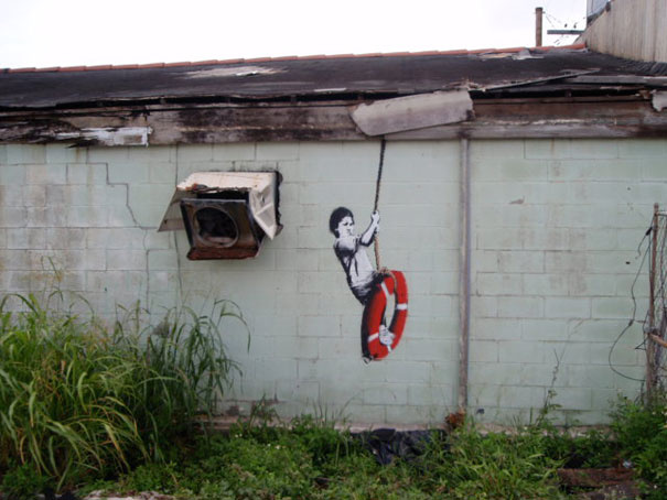 http://lh4.ggpht.com/_9F9_RUESS2E/SsUlLZMxzVI/AAAAAAAABRI/4wBkZwM0PoE/s800/banksy-graffiti-street-art-boy-on-lifebuoy.jpg