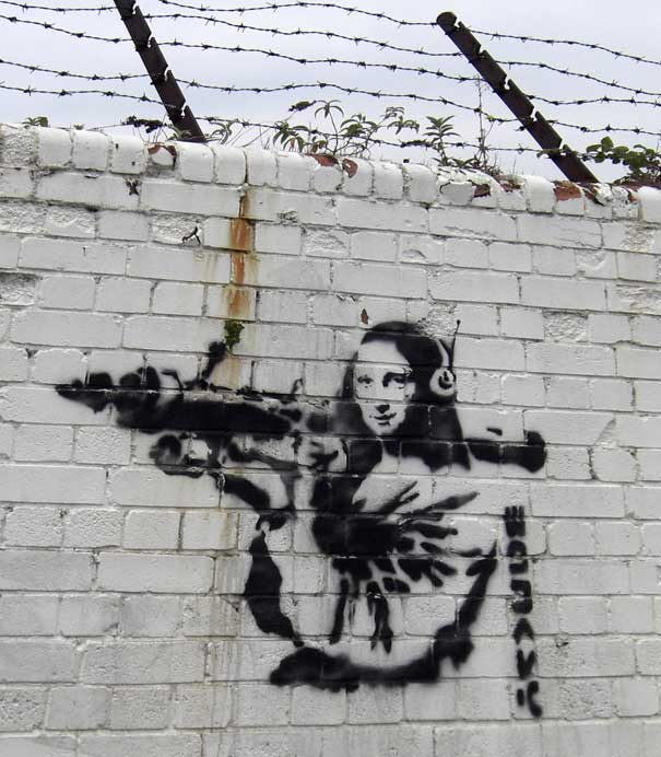 http://lh4.ggpht.com/_9F9_RUESS2E/SsZciqELCtI/AAAAAAAABTw/894C6a2V9rA/s800/banksy-graffiti-street-art-mona-lisa-bazooka.jpg