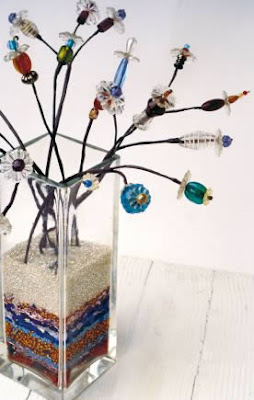 Flores de mostacillas Con cristales de lámparas antiguas, mostacillas